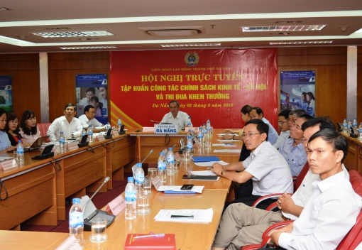 Tổng Liên đoàn Lao động Việt Nam tập huấn chuyên đề Chính sách kinh tế- xã hội & Thi đua khen thưởng