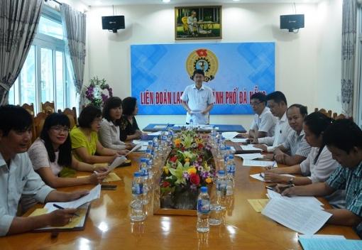 Họp Đoàn đại biểu dự Đại hội XII Công đoàn Việt Nam