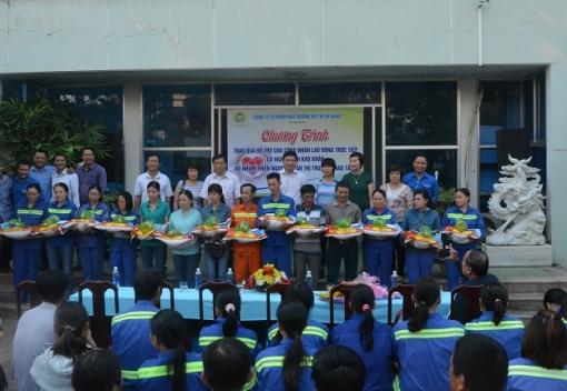 Công đoàn Công ty CP Môi trường Đô thị Đà Nẵng tặng quà công nhân lao động có hoàn cảnh khó khăn