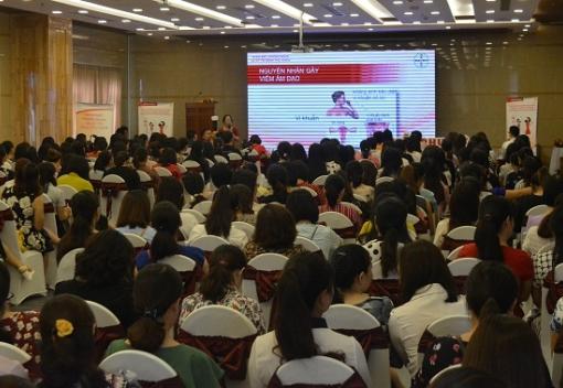 Tập huấn kiến thức về các bệnh phụ khoa cho cán bộ nữ công