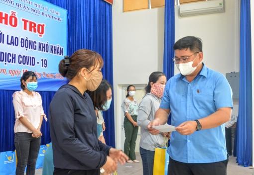 Trao hỗ trợ cho đoàn viên, người lao động có hoàn cảnh khó khăn tại quận Ngũ Hành Sơn và Cẩm Lệ