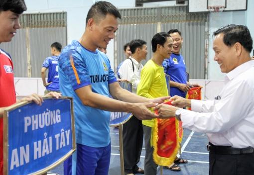 Sơn Trà: Khai mạc giải bóng đá mini nam CNVCLĐ