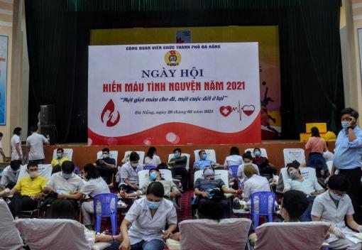 Hơn 600 đoàn viên, người lao động tham gia hiến máu tình nguyện
