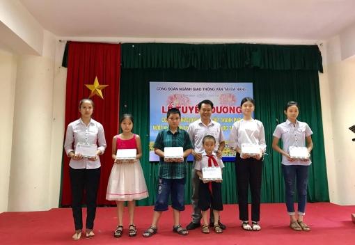Tuyên dương con CB, CNVCLĐ ngành GTVT Đà Nẵng