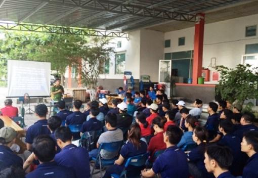 Tổ chức tuyên truyền pháp luật cho CNLĐ Công ty TNHH Công nghiệp Dearyang Việt Nam.