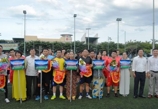 CĐ Công ty CP Môi trường Đô thị khai mạc giải bóng đá mini truyền thống