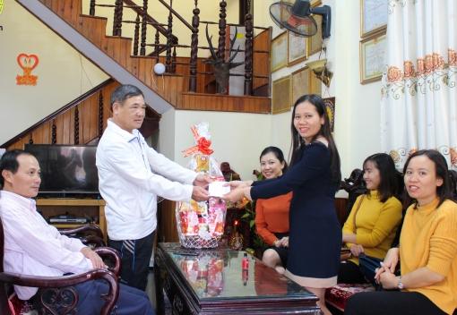 Thăm và chúc Tết Mẹ Việt Nam Anh hùng nhân dịp Tết Kỷ Hợi 2019