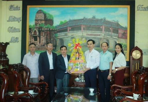 Chủ tịch LĐLĐ thành phố Đà Nẵng thăm, chúc Tết LĐLĐ tỉnh Quảng Nam