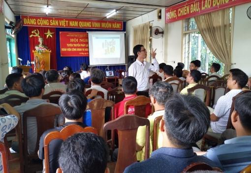 CNLĐ ở Công ty CP xi măng Đà Nẵng được phổ biến pháp luật