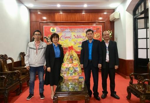 Phó Chủ tịch LĐLĐ thành phố Đà Nẵng thăm, chúc Tết LĐLĐ tỉnh Thừa Thiên Huế.