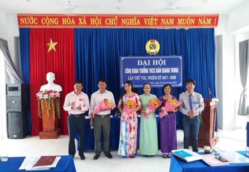 Công đoàn Trường THCS Đàm Quang Trung tổ chức Đại hội lần thứ VIII
