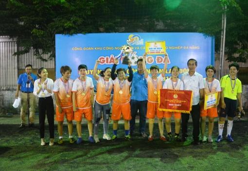 Bế mạc giải bóng đá truyền thống CNVCLĐ tại các khu công nghiệp