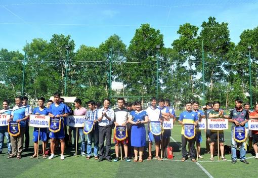 Sơn Trà: Khai mạc giải bóng đá CNVCLĐ lần thứ IV