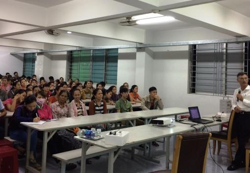 Truyền thông phòng, chống HIV/AIDS cho CNLĐ Công ty TNHH KAD Industrial S.A Việt Nam