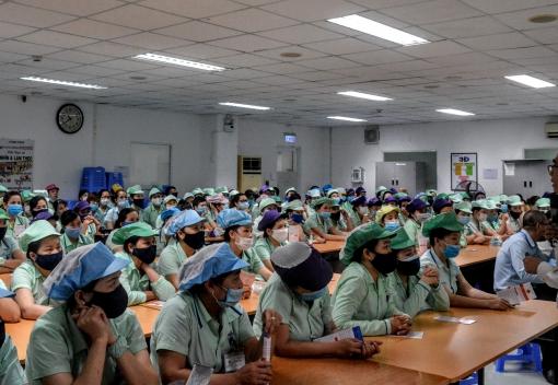 Gần 300 công nhân lao động được tuyên truyền pháp luật