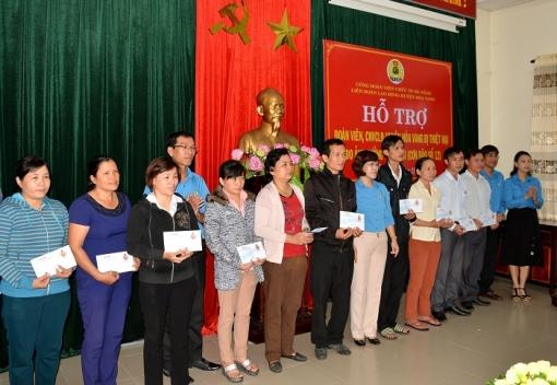 Thăm, hỗ trợ đoàn viên, CNVCLĐ & nhân dân huyện Hòa Vang khắc phục thiệt hại do thiên tai