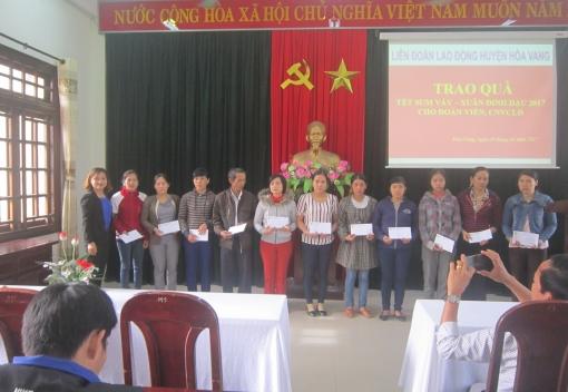 Hoà Vang: Hơn 100 suất quà Tết dành tặng cho đoàn viên, CNVCLĐ