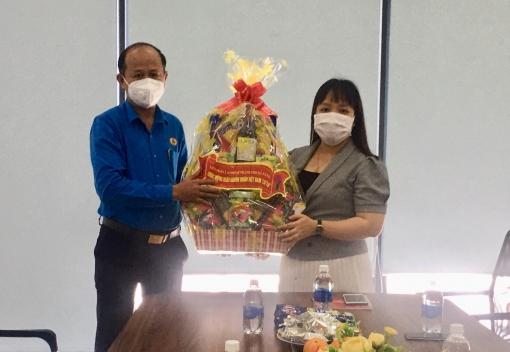 Thăm các doanh nghiệp nhân ngày Doanh nhân Việt Nam
