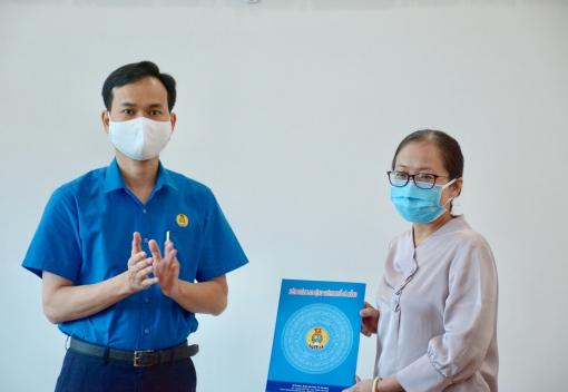 Trao quyết định chỉ định chức vụ lãnh đạo Công đoàn ngành Y tế