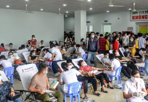 Ngành Y tế: Gần 1.000 đoàn viên, người lao động tham gia hiến máu tình nguyện