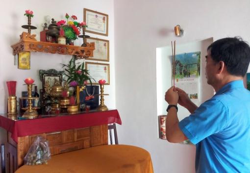 Đảng ủy, Công đoàn cơ quan LĐLĐ thành phố: Thăm, tặng quà Mẹ Việt Nam anh hùng
