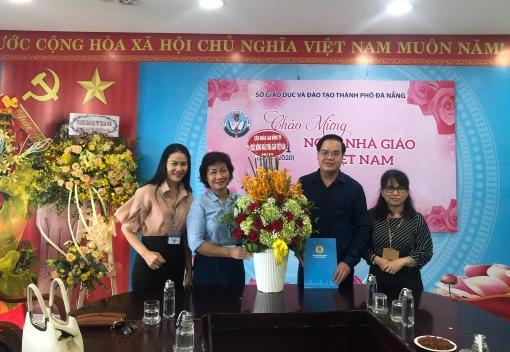 Thăm, chúc mừng nhân Ngày Nhà giáo Việt Nam 20/11