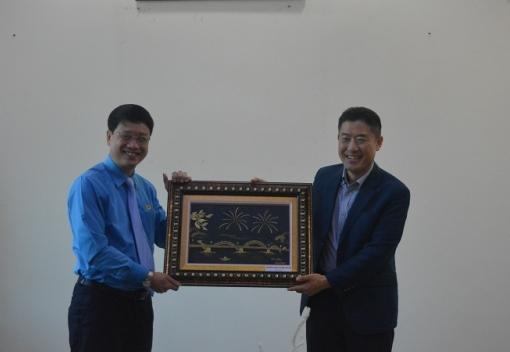 Đoàn công tác Công đoàn thành phố Masan, Hàn Quốc:  thăm và làm việc với Liên đoàn Lao động thành phố Đà Nẵng.